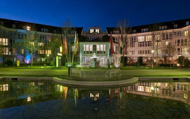 Отель Holiday Inn Munich-Unterhaching Германия, Унтерхахинг - 7 отзывов об отеле, цены и фото номеров - забронировать отель Holiday Inn Munich-Unterhaching онлайн вид на фасад