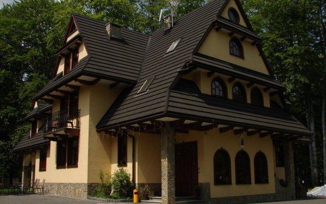 Отель Willa Bór вид на фасад