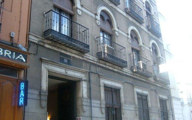 Отель Hostel Olga Испания, Мадрид - 1 отзыв об отеле, цены и фото номеров - забронировать отель Hostel Olga онлайн вид на фасад