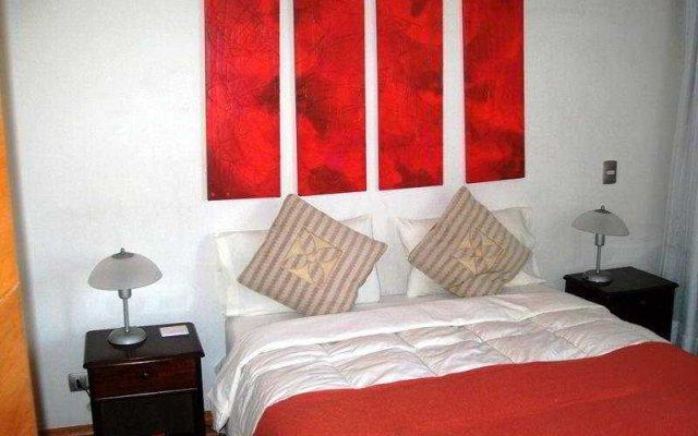 Апартаменты Santiago Apartments Бангкок комната для гостей