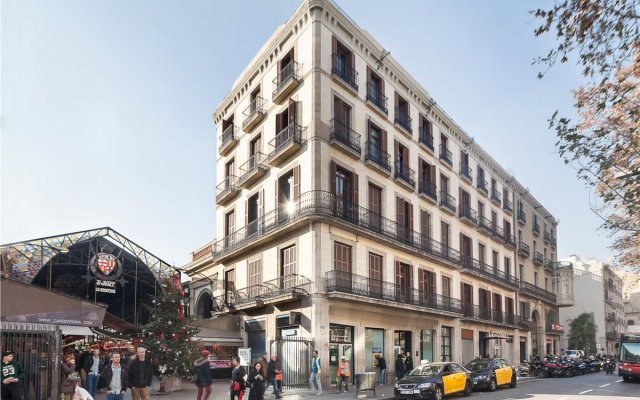 Отель Exe Ramblas Boqueria вид на фасад