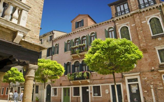 Отель B&B Ca' Santo Spirito вид на фасад