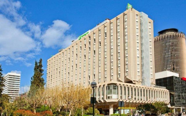 Отель Canopy by Hilton Madrid Castellana Испания, Мадрид - 9 отзывов об отеле, цены и фото номеров - забронировать отель Canopy by Hilton Madrid Castellana онлайн вид на фасад