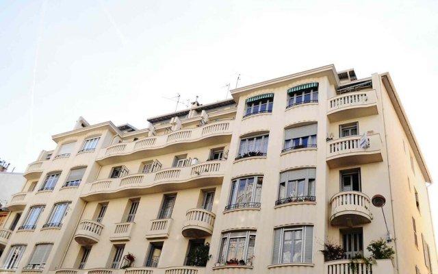 Отель Apart Hotel Riviera - Grimaldi - Promenade des Anglais Франция, Ницца - отзывы, цены и фото номеров - забронировать отель Apart Hotel Riviera - Grimaldi - Promenade des Anglais онлайн вид на фасад