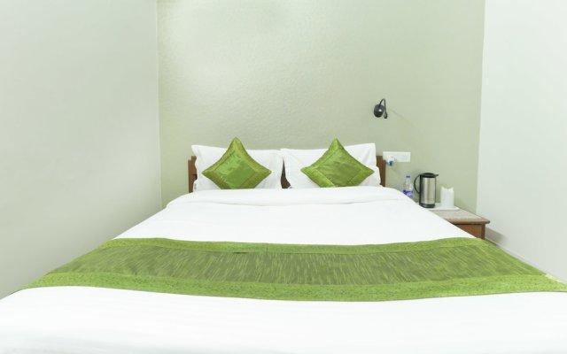Отель Treebo Trend Bliss Raja Park вид на фасад