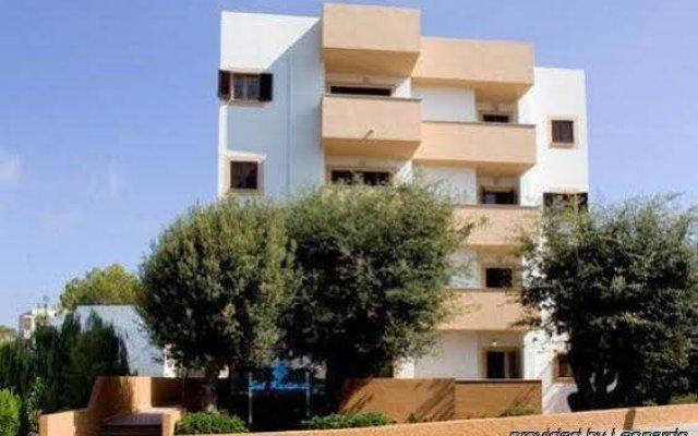Отель Apartamentos Sol Radiante вид на фасад