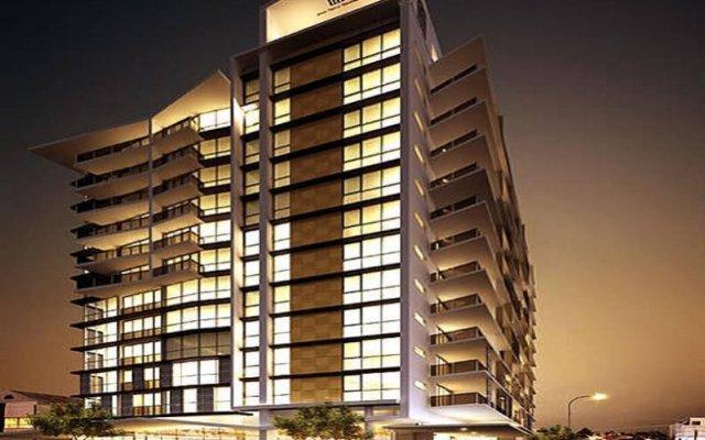 Alex Perry Hotel & Apartments вид на фасад