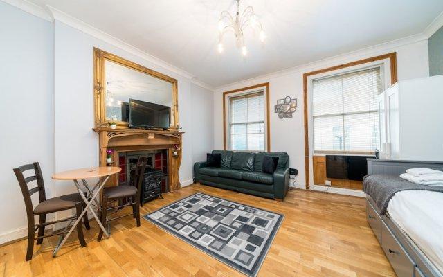 Апартаменты Luxury Studio Apart Piccadilly Circus Лондон комната для гостей