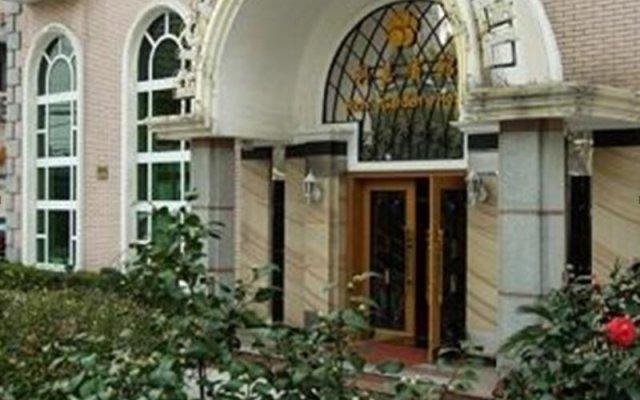 Shanghai Rich Garden Hotel вид на фасад