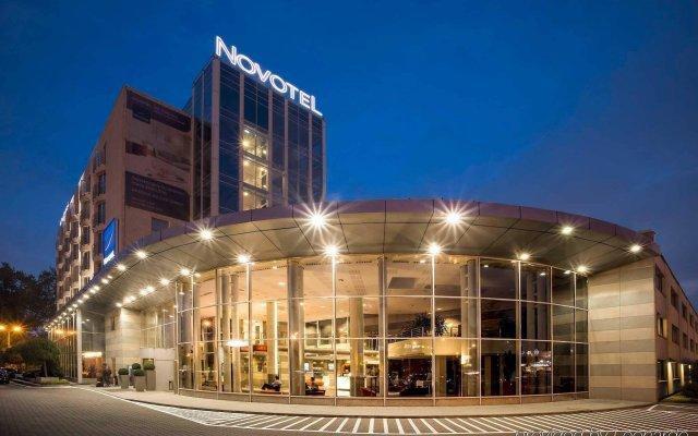 Отель Novotel Warszawa Airport Польша, Варшава - 11 отзывов об отеле, цены и фото номеров - забронировать отель Novotel Warszawa Airport онлайн вид на фасад