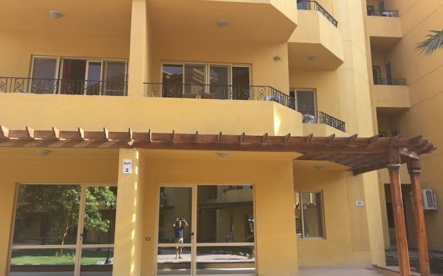 Отель Pool View Apart At British Resort 221 вид на фасад