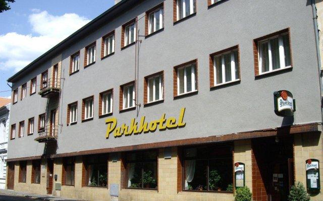 Отель Parkhotel Terezín Бенешов-над-Плоучницей вид на фасад