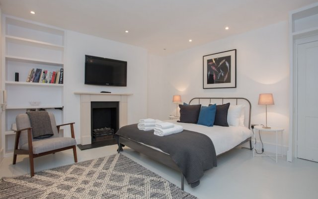 4 Bedroom House Next to Primrose Hill