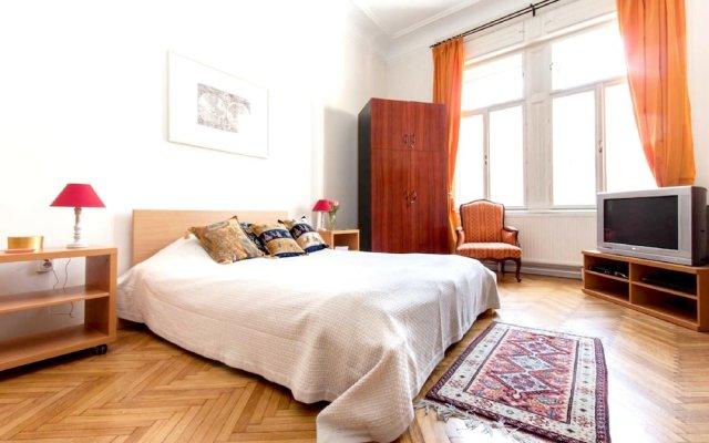 Отель With 3 Bedrooms in Budapest, With Wonderful City View, Terra Венгрия, Будапешт - отзывы, цены и фото номеров - забронировать отель With 3 Bedrooms in Budapest, With Wonderful City View, Terra онлайн комната для гостей