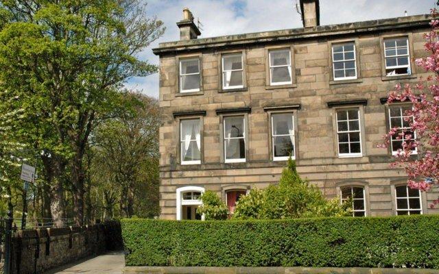 Отель Bonnington Guest House Великобритания, Эдинбург - отзывы, цены и фото номеров - забронировать отель Bonnington Guest House онлайн вид на фасад