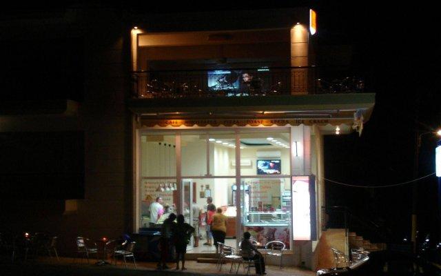Отель Loxandra Studios Греция, Метаморфоси - отзывы, цены и фото номеров - забронировать отель Loxandra Studios онлайн вид на фасад