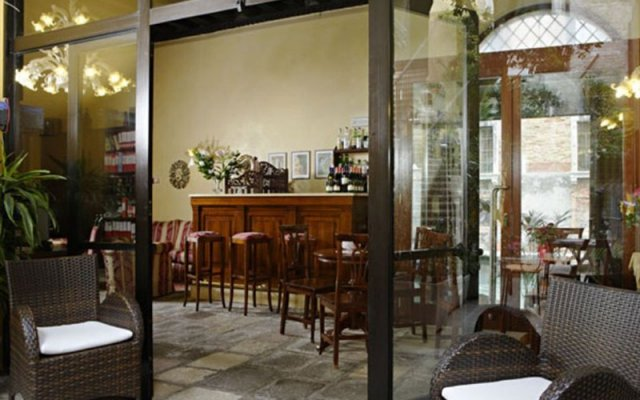 Отель Inn on the Green Великобритания, Глазго - отзывы, цены и фото номеров - забронировать отель Inn on the Green онлайн гостиничный бар
