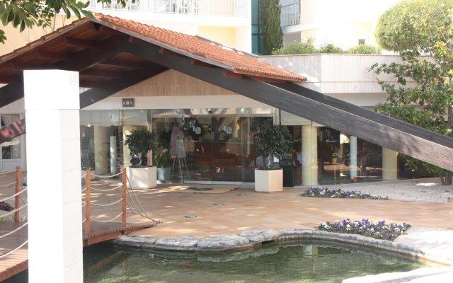 Hotel Capricho вид на фасад