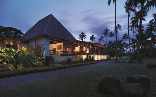 Отель Shangri-La's Fijian Resort & Spa вид на фасад