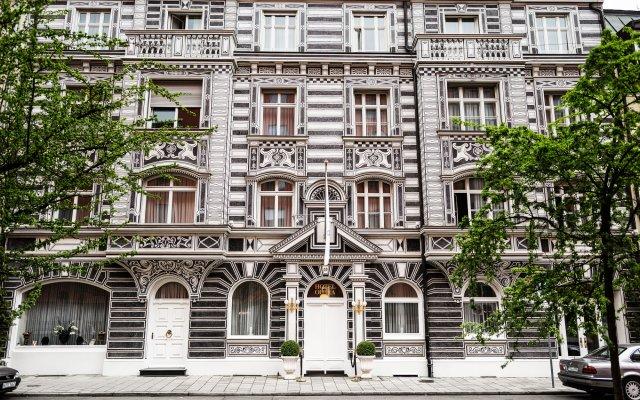 Отель Opera Германия, Мюнхен - 1 отзыв об отеле, цены и фото номеров - забронировать отель Opera онлайн вид на фасад