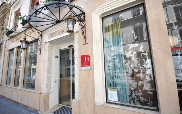 Отель Saint Georges Lafayette Париж вид на фасад