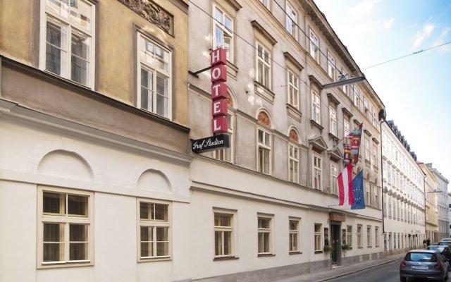Отель Graf Stadion вид на фасад