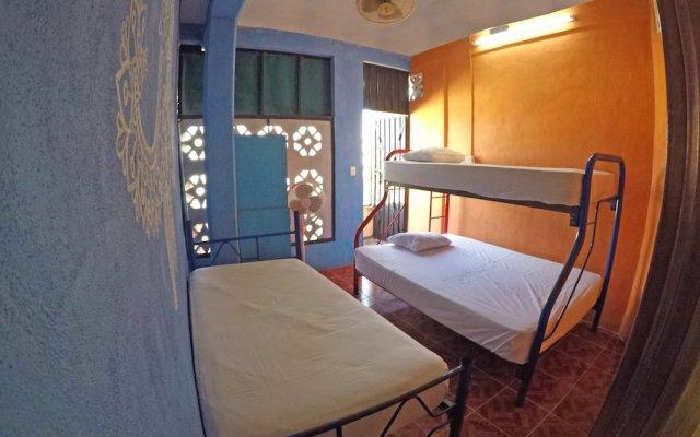 Отель Hostel Playa by The Spot Мексика, Плая-дель-Кармен - отзывы, цены и фото номеров - забронировать отель Hostel Playa by The Spot онлайн комната для гостей