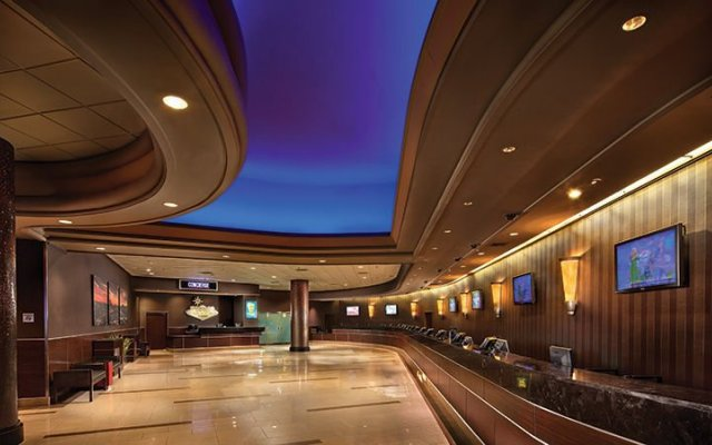 Отель Stratosphere Hotel, Casino & Tower США, Лас-Вегас - 8 отзывов об отеле, цены и фото номеров - забронировать отель Stratosphere Hotel, Casino & Tower онлайн вид на фасад