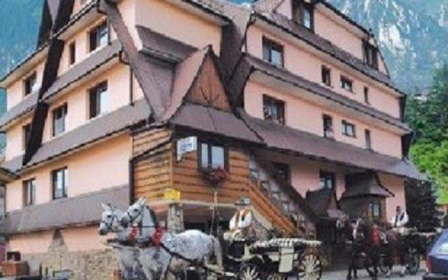 Отель Wynajem Pokoi Stachon Поронин вид на фасад
