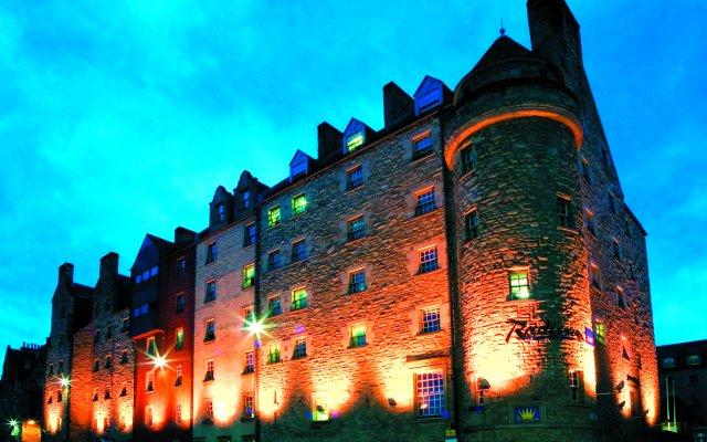 Отель Radisson Blu Edinburgh вид на фасад