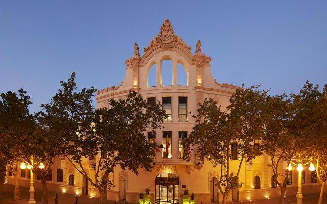 Отель The Westin Valencia вид на фасад