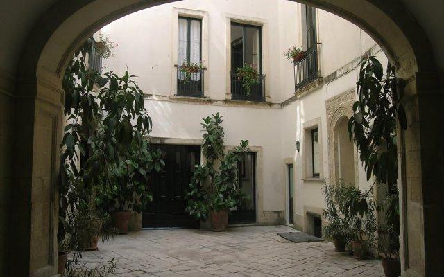 Отель B&B Palazzo Bernardini Лечче вид на фасад