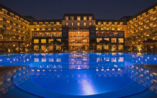 Renaissance Cairo Mirage City Hotel вид на фасад