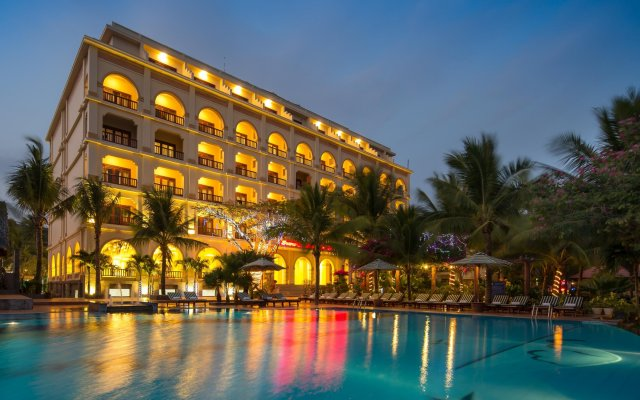 Отель Sunny Beach Resort and Spa вид на фасад