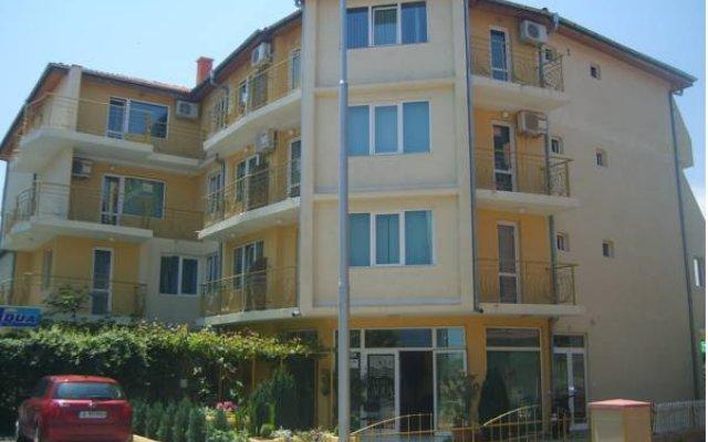 Отель Aqua Hotel Болгария, Равда - отзывы, цены и фото номеров - забронировать отель Aqua Hotel онлайн вид на фасад