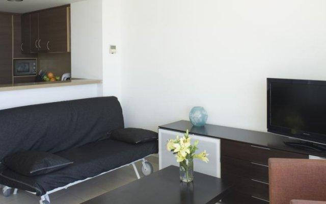 Отель Pillowapartments Barceloneta Terrace Испания, Барселона - отзывы, цены и фото номеров - забронировать отель Pillowapartments Barceloneta Terrace онлайн комната для гостей