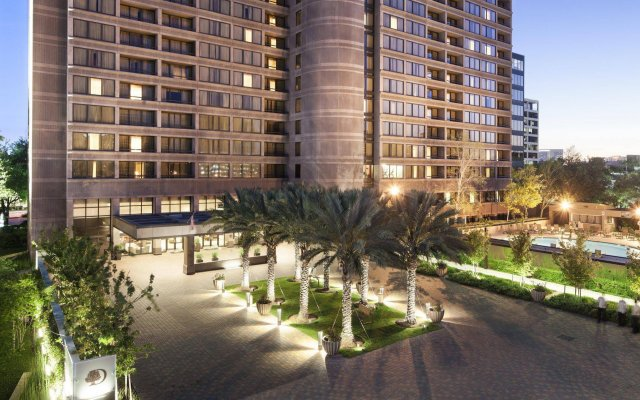Отель DoubleTree Suites by Hilton Houston by the Galleria вид на фасад