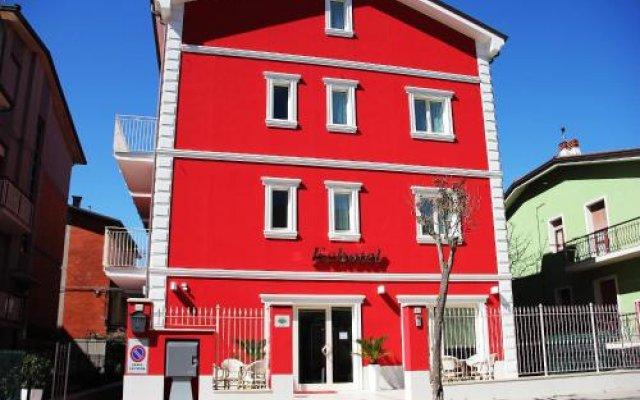 Отель Echotel Порто Реканати вид на фасад