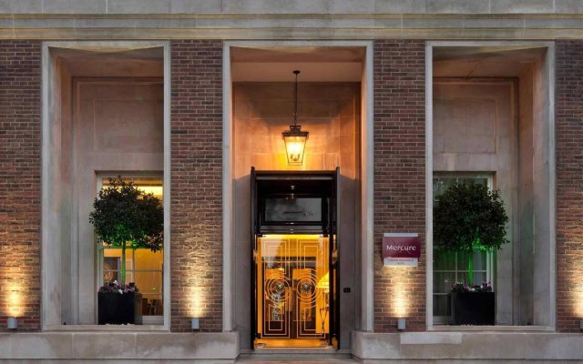 Отель DoubleTree by Hilton London - Greenwich вид на фасад