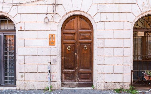 Отель Trastevere Suite-Mattonato вид на фасад