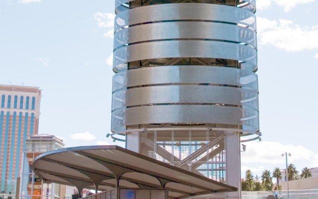 Отель Holiday Motel США, Лас-Вегас - отзывы, цены и фото номеров - забронировать отель Holiday Motel онлайн вид на фасад