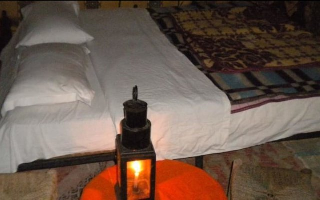 Отель Etoile Sahara Camp Марокко, Мерзуга - отзывы, цены и фото номеров - забронировать отель Etoile Sahara Camp онлайн комната для гостей
