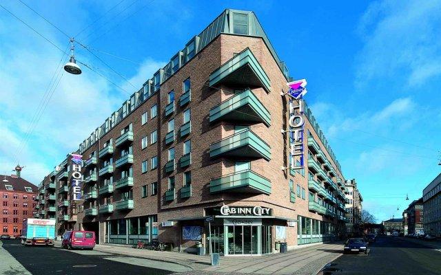 Отель CABINN City Hotel Дания, Копенгаген - 5 отзывов об отеле, цены и фото номеров - забронировать отель CABINN City Hotel онлайн вид на фасад