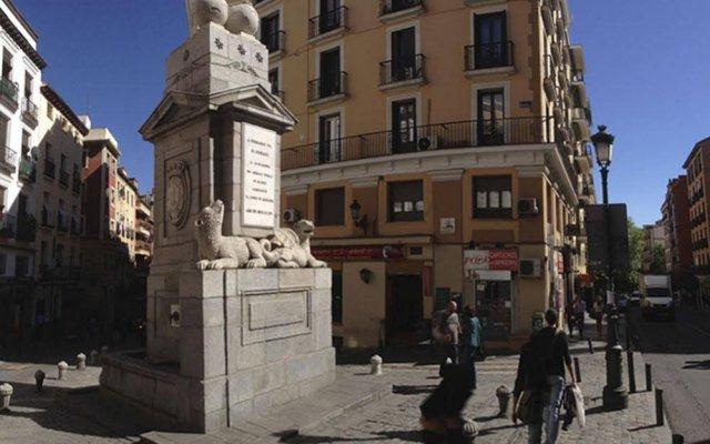 Отель Apartamentos Puerta Del Sol - Plaza Mayor Испания, Мадрид - отзывы, цены и фото номеров - забронировать отель Apartamentos Puerta Del Sol - Plaza Mayor онлайн вид на фасад
