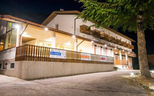 Отель Alla Fonte Кьюзафорте вид на фасад