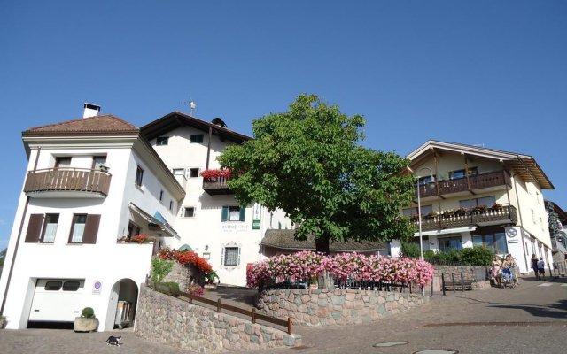 Отель Gasthof zum Roessl Терлано вид на фасад