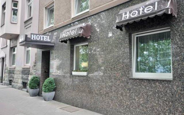 Hotel Am Ehrenhof Дюссельдорф вид на фасад
