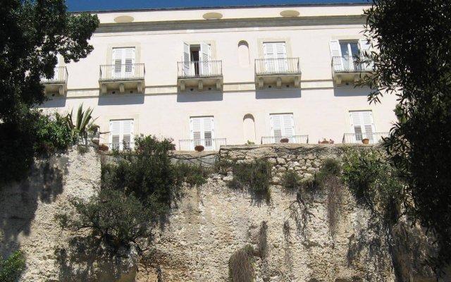 Grand Hotel Villa Politi Сиракуза вид на фасад