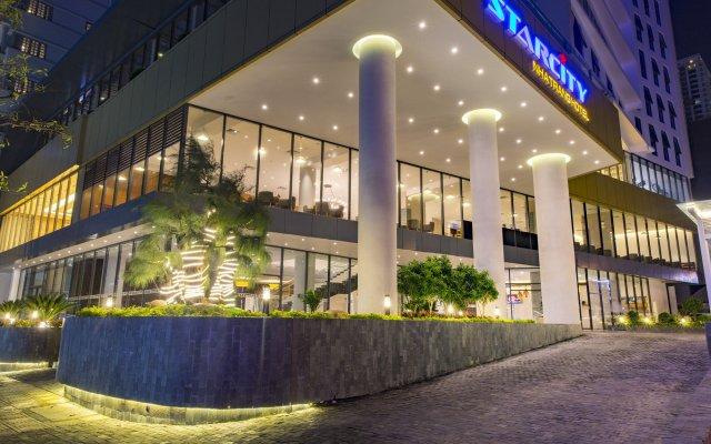 Отель StarCity Nha Trang вид на фасад