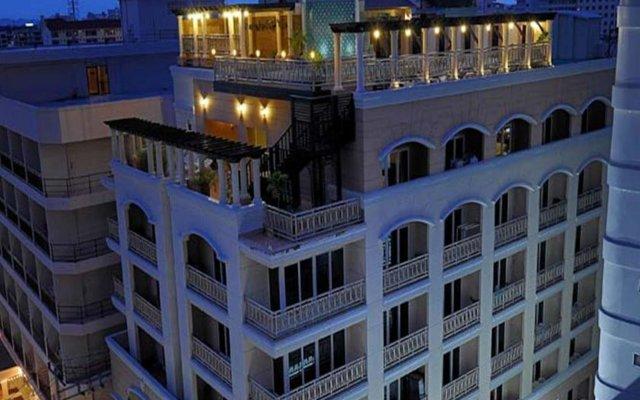Отель Whitehouse Condotel Паттайя вид на фасад